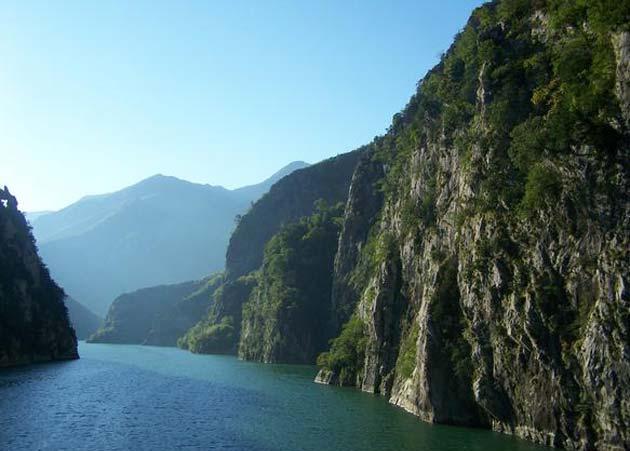 albania_lake