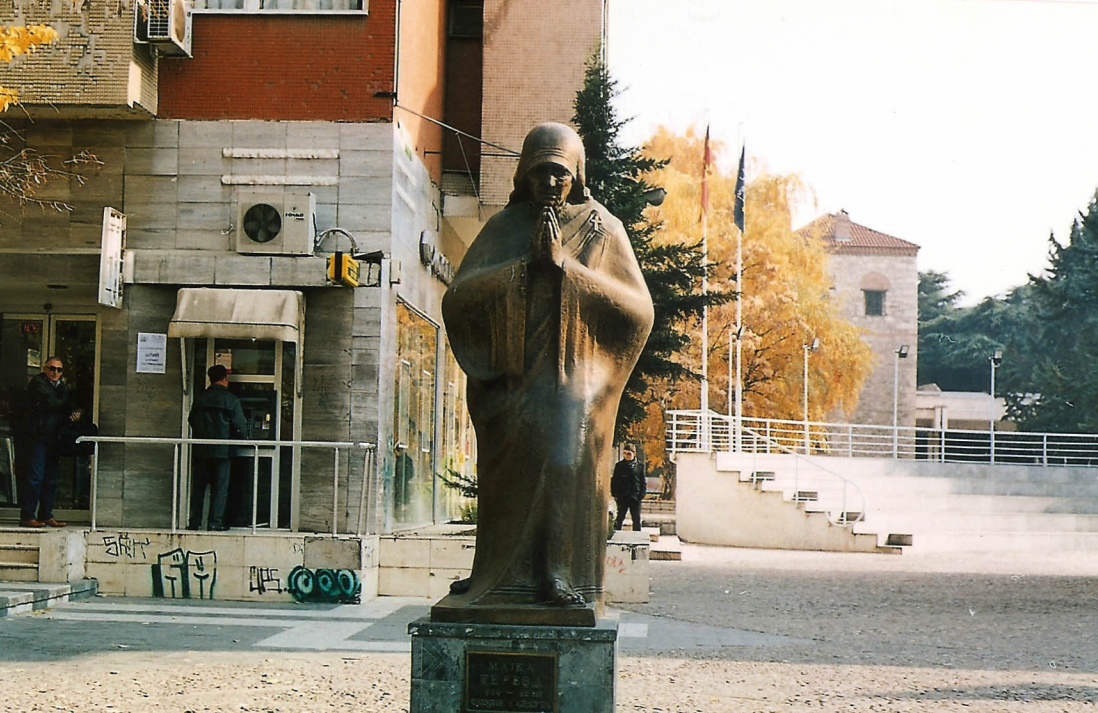 Statue of M Theresa next to her memorial house in Skopje