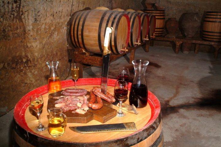 Bulgarian Wine Tour melnik-winetasting