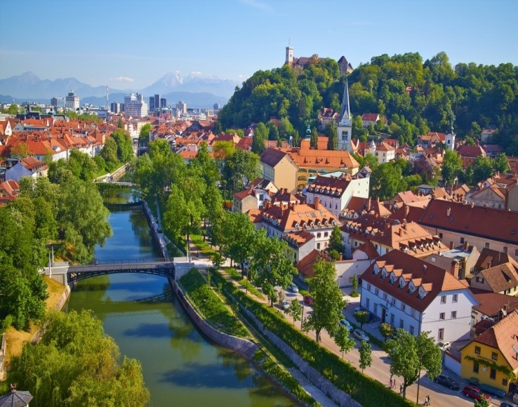 The Ljubljanica River dissects the city, leaving the leafy banks of the emerald-green Ljubljanica River flowing through the city's heart.